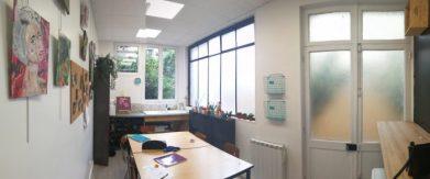 Salle de dessin des ateliers créatifs, cours dispensés par Coraline Van Butsele