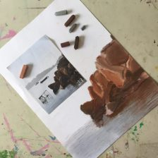 paysage réalisé aux pastels sec en cours ado à l'atelier croqu'art encadré par Coraline Van Butsele