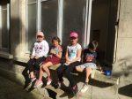 cours de couture en plein air aux ateliers creatifs de villers-cotterets