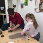 Stage poterie enfant encadré par Laurence Badens aux ateliers créatifs de villers-Cotterets