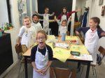 stage de peinture et de couture enfant. réalisation d'un coussin encadrée par Coraline Van Butsele pour le dessin et Emilie Bechepois pour la couture