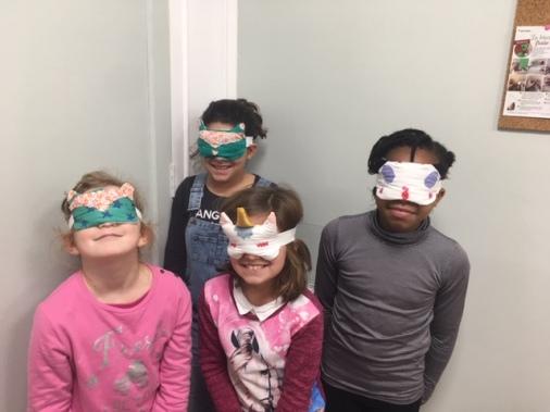 masques de nuit réalisés en cours de couture enfants aux ateliers créatifs de Villers-Cotterêts