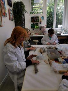 stage raku encadré par Isabelle Blutel aux ateliers créatifs de villers-cotterêts. partie 1 : le modelage