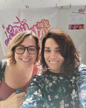 Emilie professeur de couture et Coraline professeur de dessins aux ateliers créatifs de villers-cotterets. forum des associations 2019