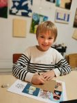 cours de dessin enfant encadré par coraline Van Butsele aux ateliers créatifs de Villers-Cotterêts