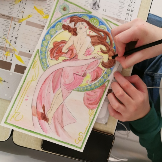 cours de dessin sur Alfons mucha aux ateliers créatifs de villers-cotterêts